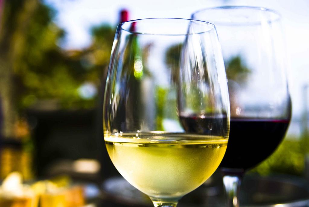 Maridaje de vinos en Navidad blanco o rojo